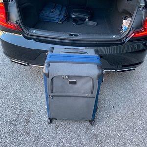 Alpha 2 Short Trip Expandable Navy Suitcase NEW!